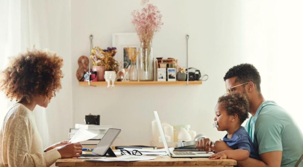 trabajar en familia desde casa