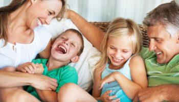 ¿Por qué la risa nos acerca como seres humanos?